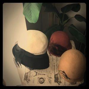 Accessories - Three vintage hats